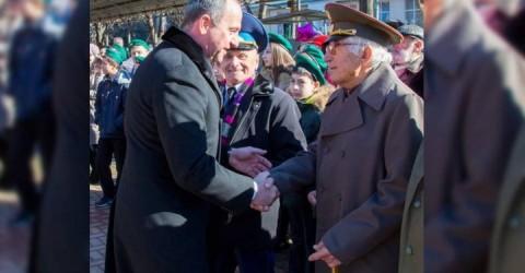 Глава Карачаево-Черкесии поздравил с 95-летием ветерана Великой Отечественной войны Хамита Канаматова