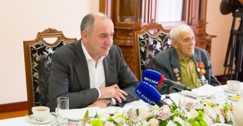 Глава Карачаево-Черкесии встретился с ветеранами Великой Отечественной войны