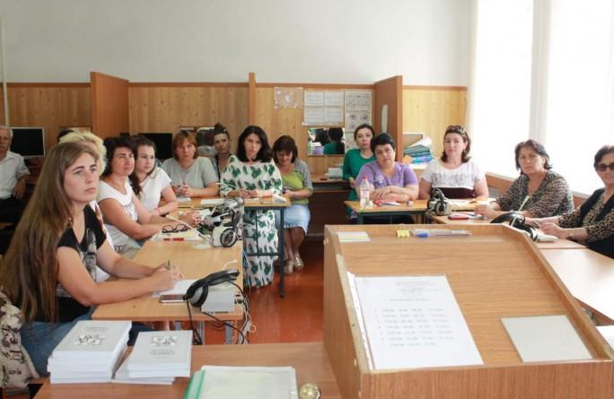 Начались курсы обучения жестовому языку