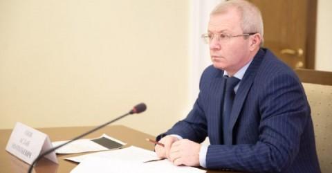 Премьер–министр Аслан Озов принял участие в видеоконференции по вопросам улучшения демографического положения в регионах