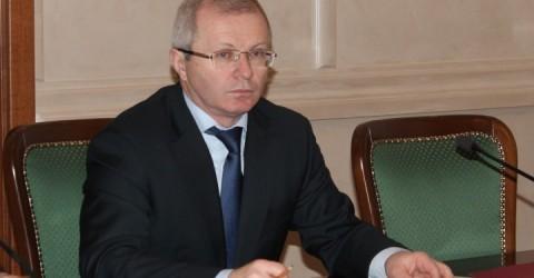 Премьер-министр Аслан Озов провел заседание Правительства Карачаево-Черкесии