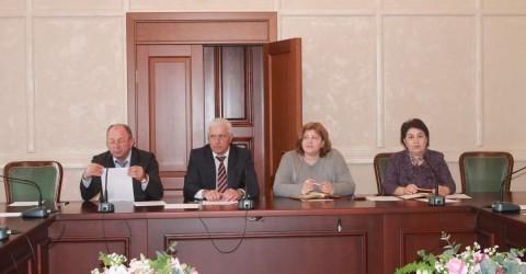 Состоялось совещание по итогам проверки учреждений отдыха и оздоровления детей, расположенный на территории Карачаево-Черкесской Республики