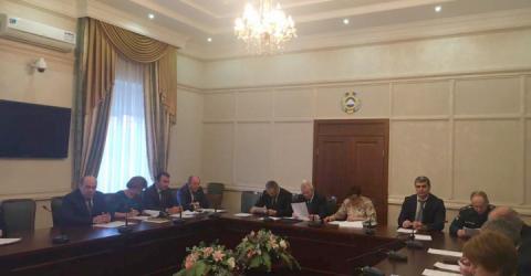 В Доме Правительства КЧР обсудили вопросы подготовки и проведения новогодних праздничных мероприятий