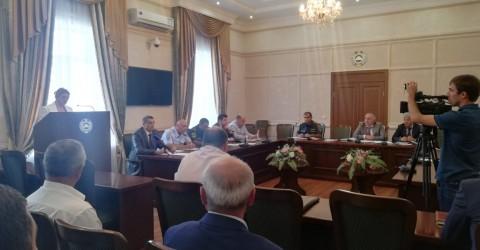 Вопрос обеспечения пожарной безопасности в образовательных и других социально-значимых учреждениях обсудили на заседании под председательством вице-премьера Хызыра Чеккуева