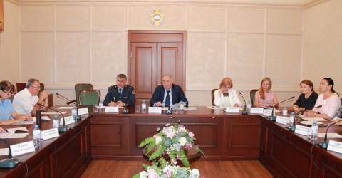 Заседание Комисси по делам несовершеннолетних и защите их прав при Правительстве КЧР